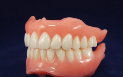 Eating and Cleaning with Dentures – Top 5 Things to Know!